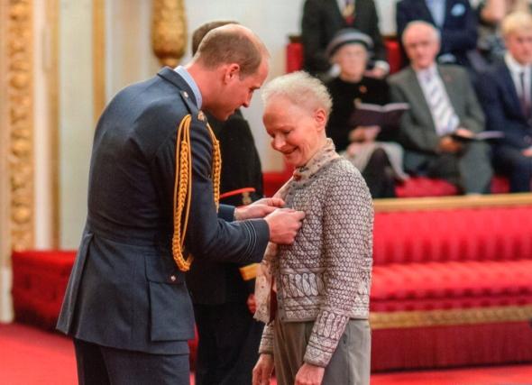 MBE1 Prince William pins medal.jpg